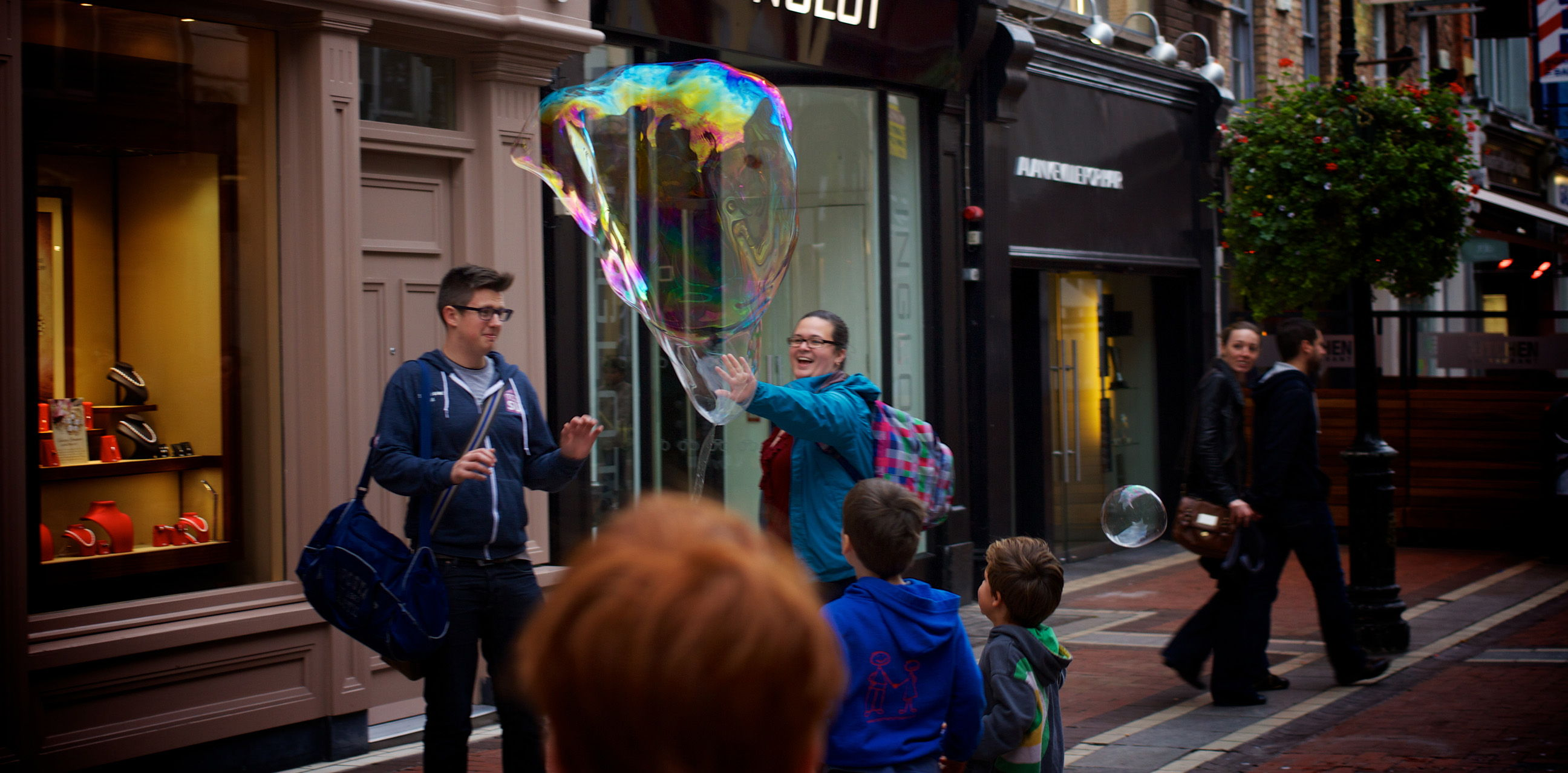 city-people-bubble-fun