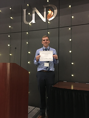 Conner Earl Finishes First at AIChE Undergraduate Paper Competition
